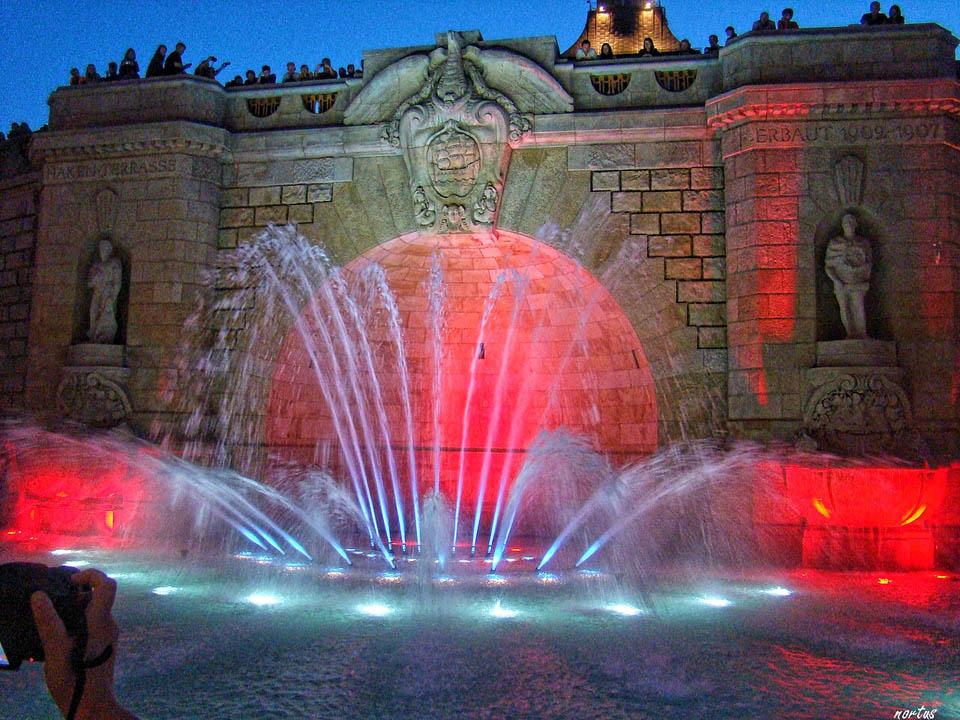kolorowa fontanna Szczecin Wały Chrobrego